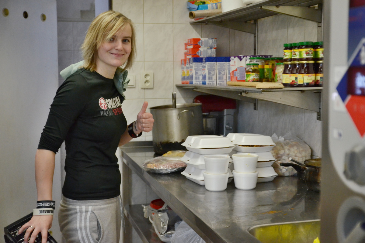 Příprava v kuchyni penzionu u Jirsáka